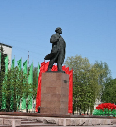a monument to the communist leader Lenin in Grodno